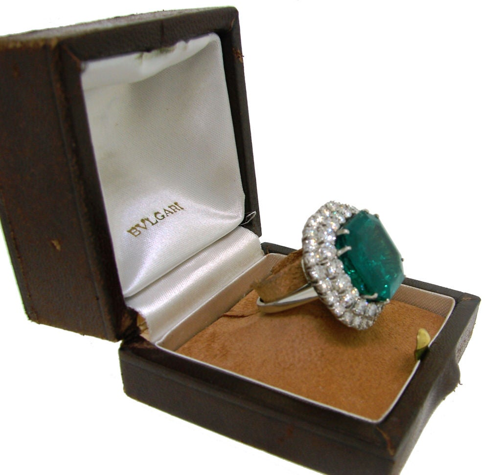 BULGARI 16.15 carats Emerald and Diamond Ring 4