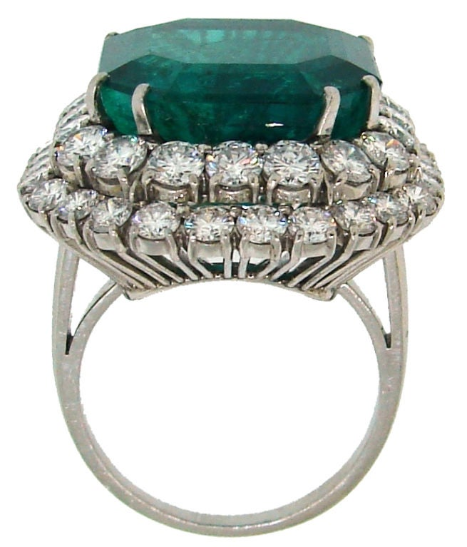 BULGARI 16.15 carats Emerald and Diamond Ring 6