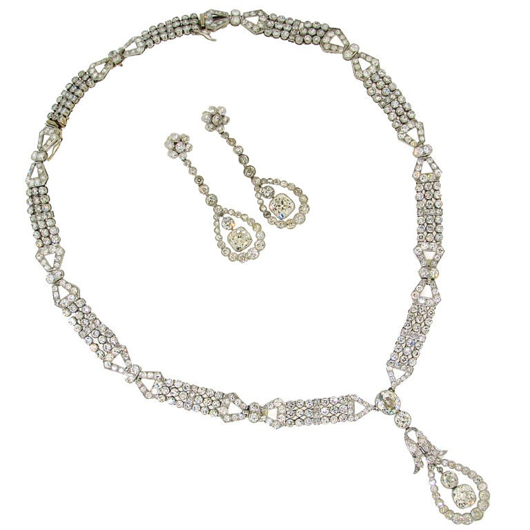 Art Deco Diamond & Platinum Necklace/Choker/Bracelets & Earrings For Sale