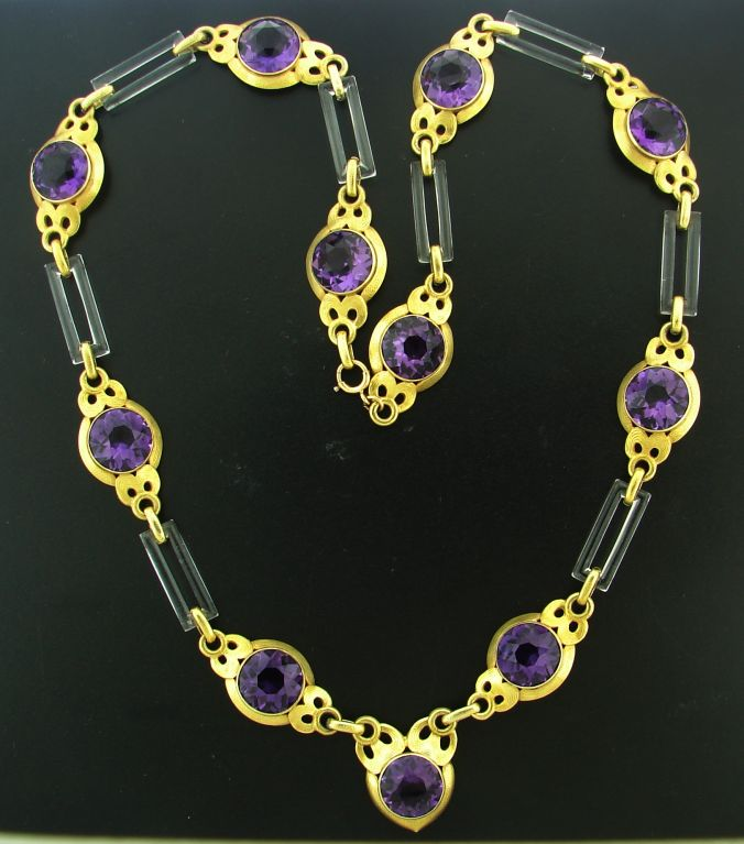 Cartier Amethyst Horn Yellow Gold Necklace In Good Condition For Sale In Beverly Hills, CA