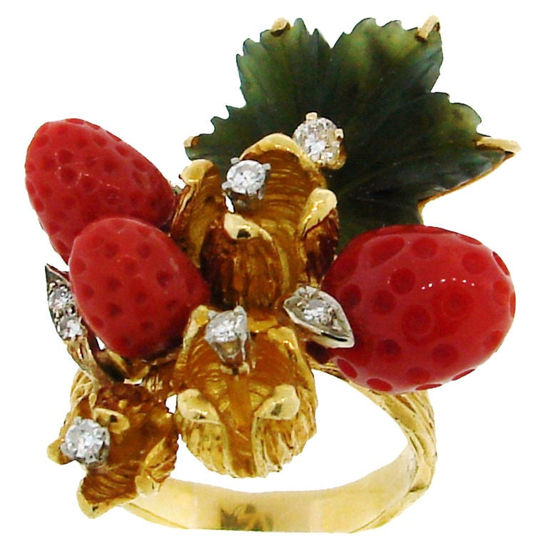 HENRY DUNAY Coral, Jade & Yellow Gold Wild Strawberry Ring