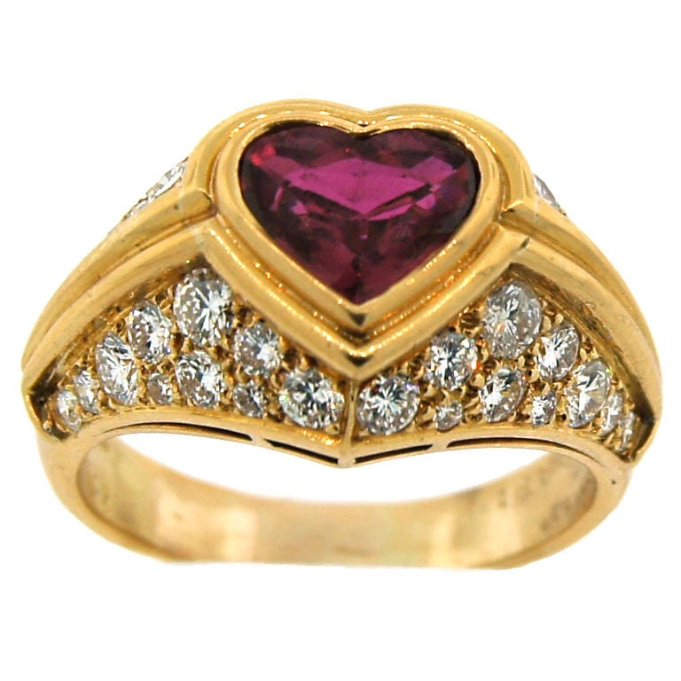 BULGARI Heart shape Natural Ruby Diamond and Yellow Gold Ring For