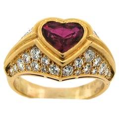 BULGARI Heart Ruby Diamond Yellow Gold Ring, 1980s Bvlgari