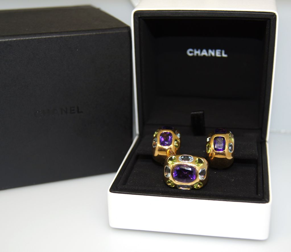 CHANEL Gemstones & Yellow Gold Ring & Earrings image 8