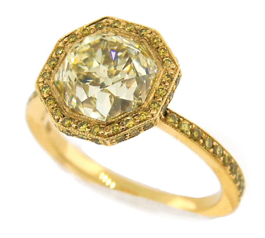 3.10 cts Light Fancy Yellow Diamond Engagement Ring For Sale 1