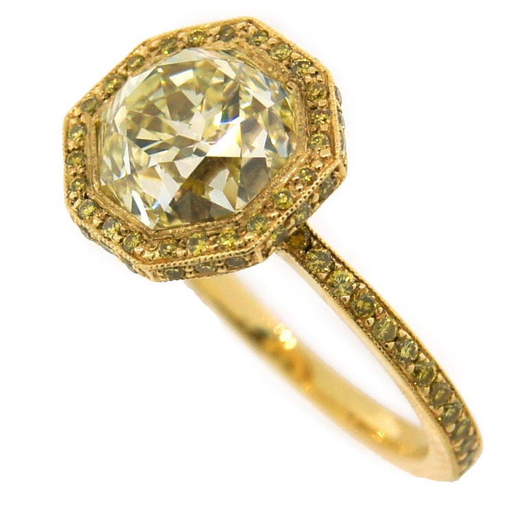 3.10 cts Light Fancy Yellow Diamond Engagement Ring For Sale 2