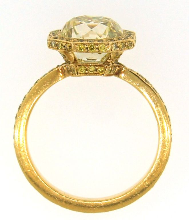 3.10 cts Light Fancy Yellow Diamond Engagement Ring For Sale 4