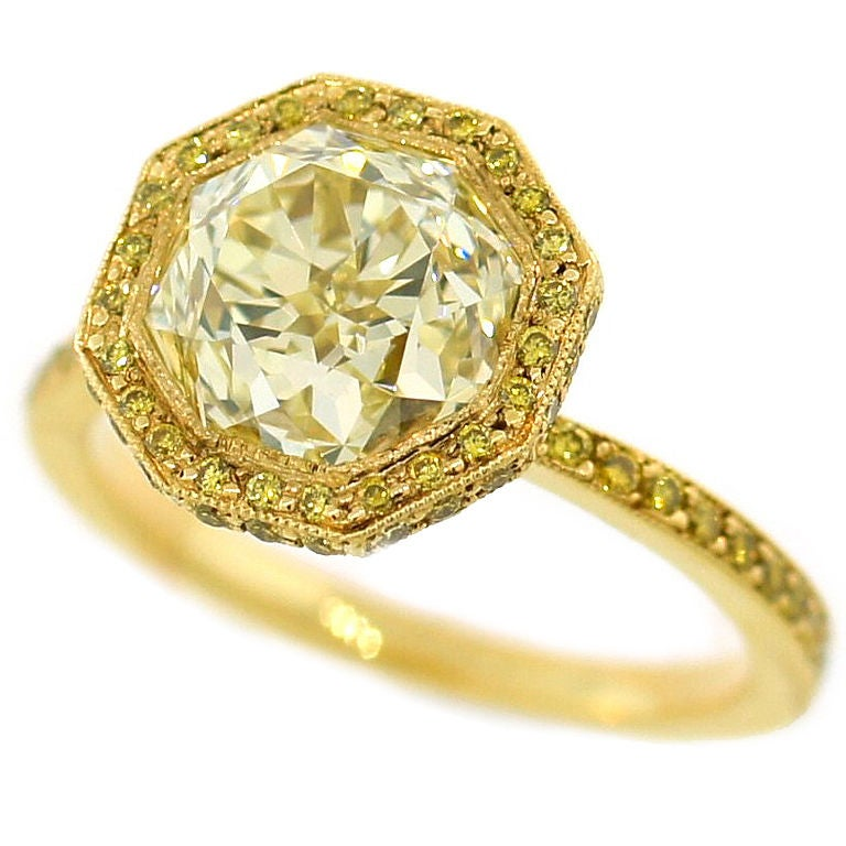 3 10 cts Light Fancy Yellow Diamond Engagement Ring For Sale at 1stdibs
