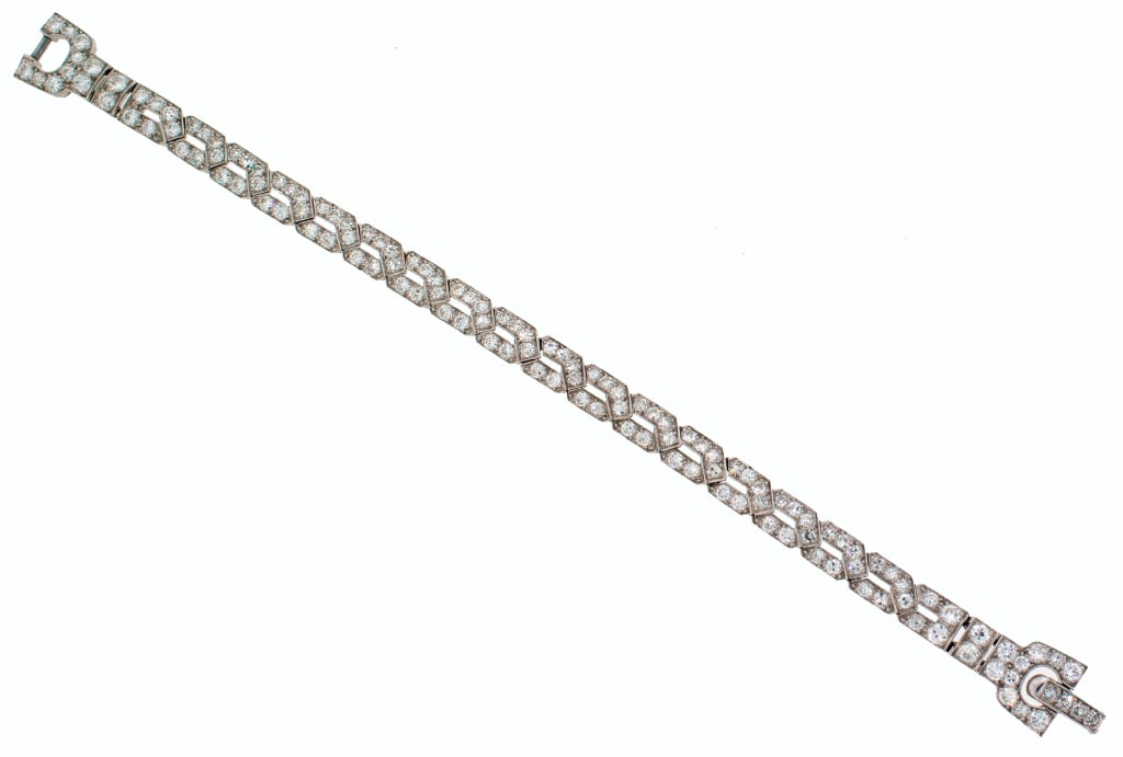 Art Deco CARTIER Diamond Platinum Bracelet In Good Condition For Sale In Beverly Hills, CA