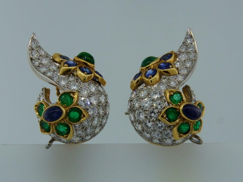 Diamond, Sapphire, Emerald & Yellow Gold Earrings & Brooch Set 4