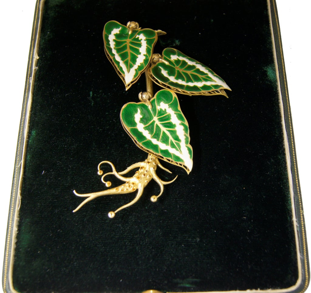 Remarkable French Belle Epoque Movable Enamel Leaves Flower Pin For Sale 7