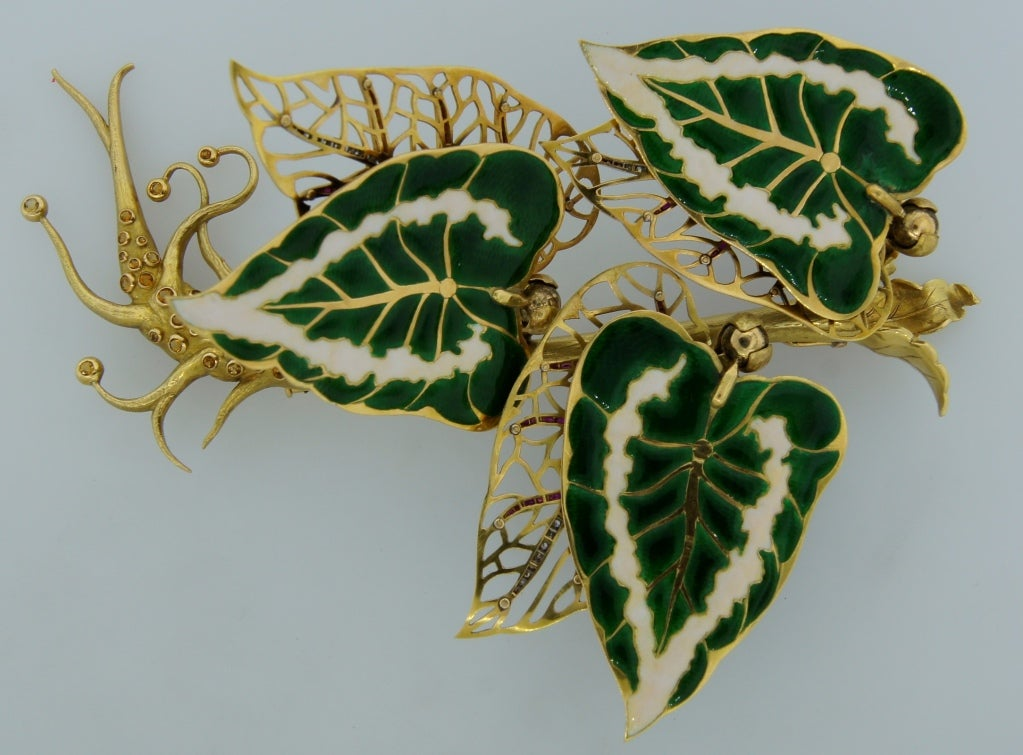 Remarkable French Belle Epoque Movable Enamel Leaves Flower Pin For Sale 1