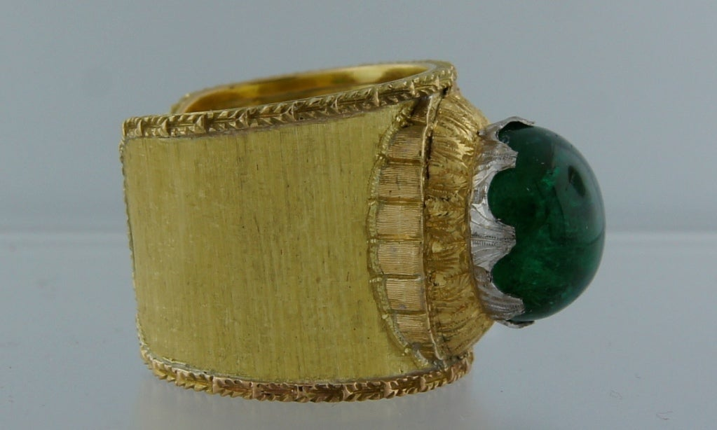 Mario Buccellati 7.51ct Cabochon Emerald & Yellow Gold Band Ring 3