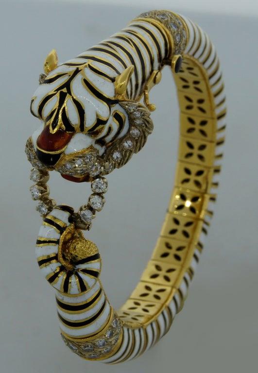 Women's FRASCAROLO Diamond Enamel & Yellow Gold Tiger Bangle Bracelet For Sale