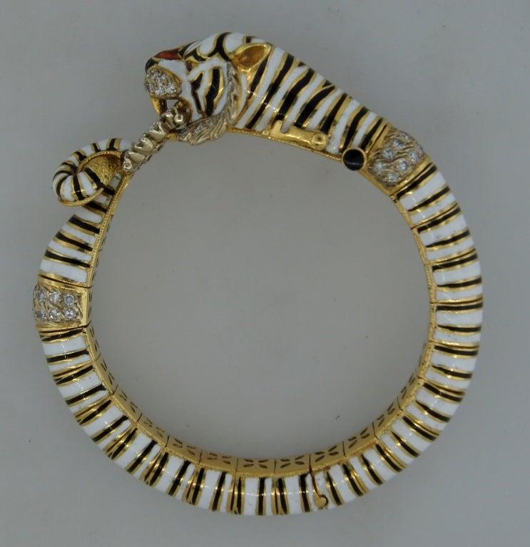 FRASCAROLO Diamond Enamel & Yellow Gold Tiger Bangle Bracelet For Sale 3