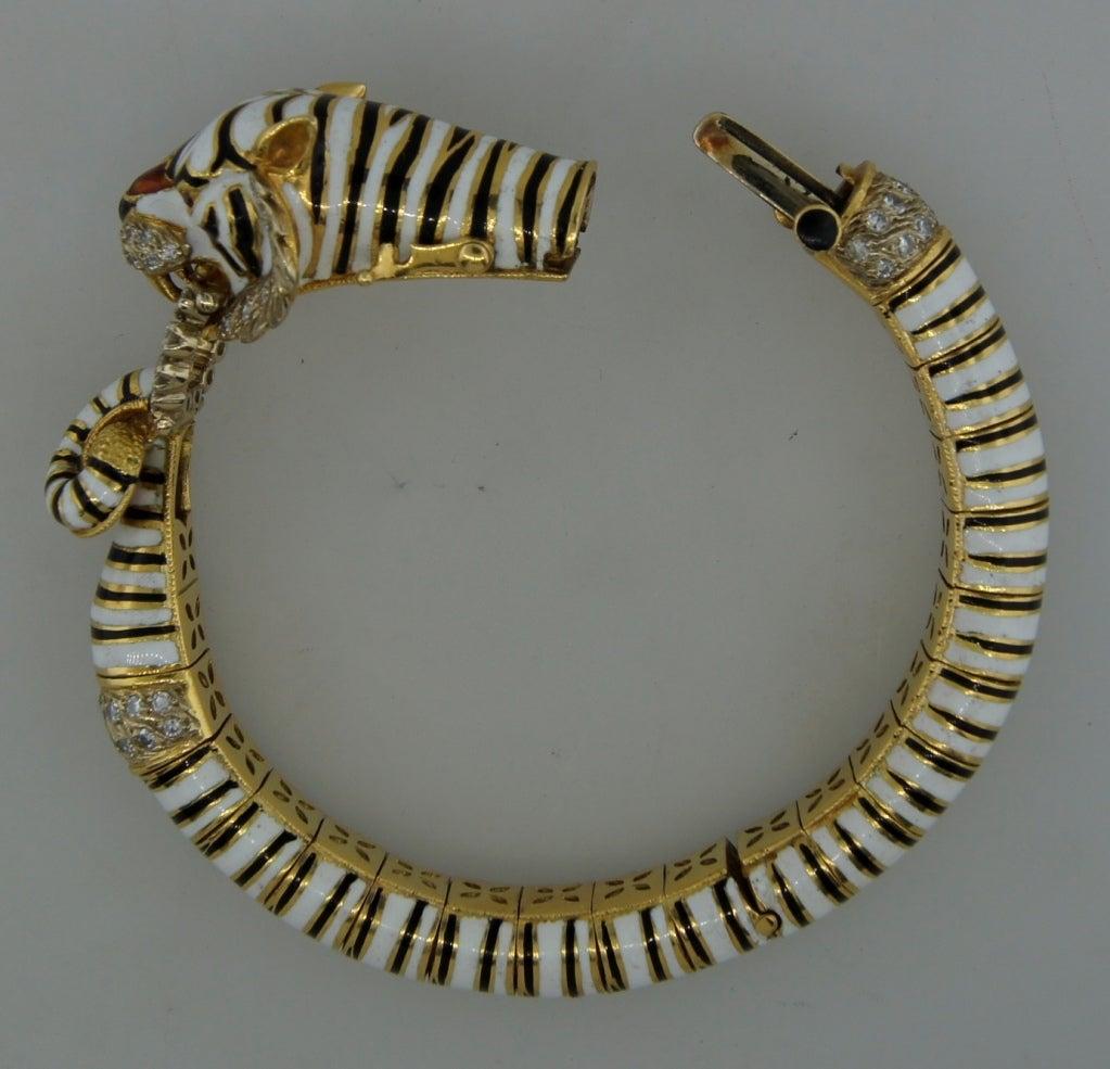 FRASCAROLO Diamond Enamel & Yellow Gold Tiger Bangle Bracelet For Sale 4