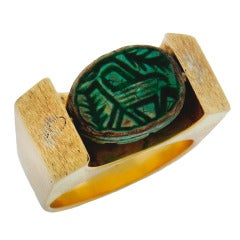 1930s Egyptian Revival Carved Turquoise Scarab Yellow Gold Ring