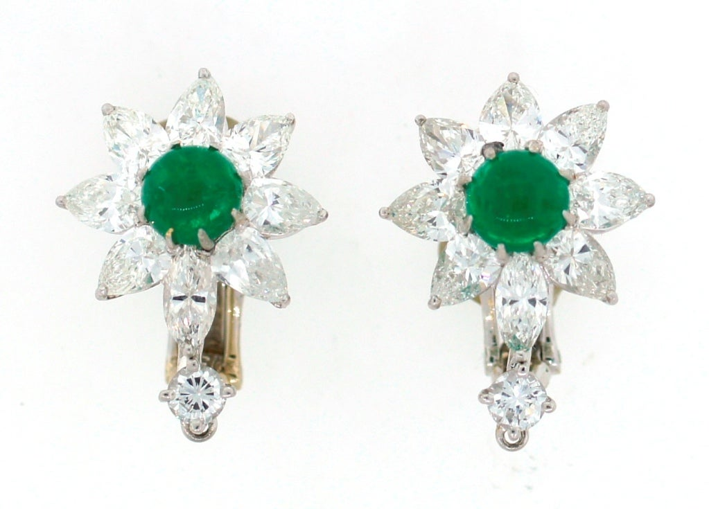 David Webb Emerald Diamond Platinum Earrings c1970s In Excellent Condition For Sale In Beverly Hills, CA