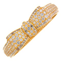 Van Cleef & Arpels Diamond Gold Bow Bracelet, 1970s