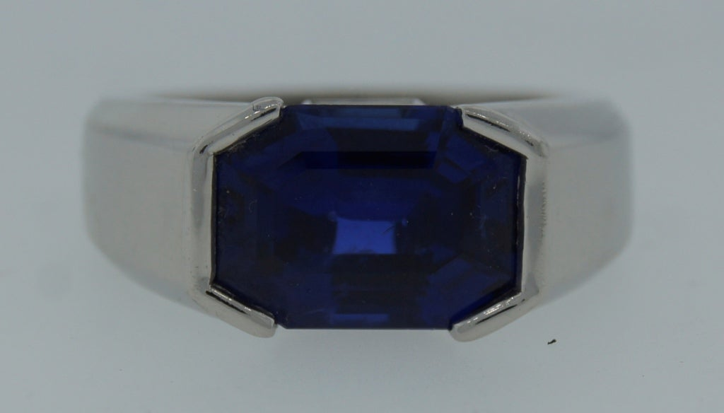 Cartier Natural Sapphire Diamond Platinum Ring In Excellent Condition For Sale In Beverly Hills, CA