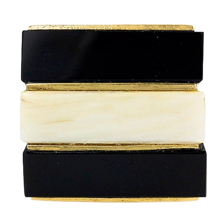 TIFFANY Ivory and Onyx Ring 2
