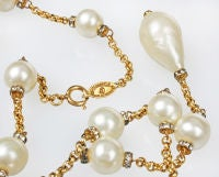 Demure CHANEL  Faux Mabe Pearl and Rhinestone Necklace thumbnail 5