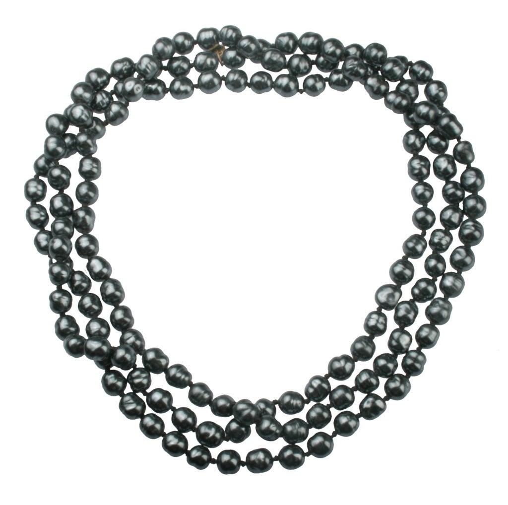 chanel long black baroque pearl necklace at 1stdibs. Black Bedroom Furniture Sets. Home Design Ideas