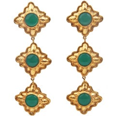 CHANEL long Dangle Earrings with Green Glass