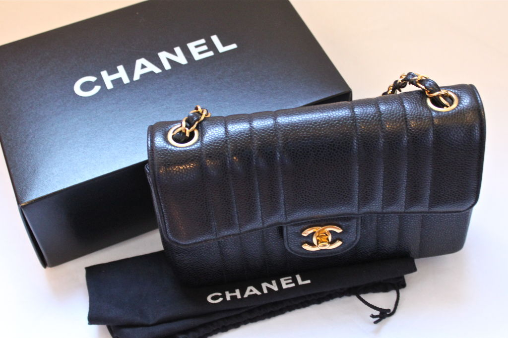 CHANEL black caviar Mademoiselle flap bag with gilt chain 5