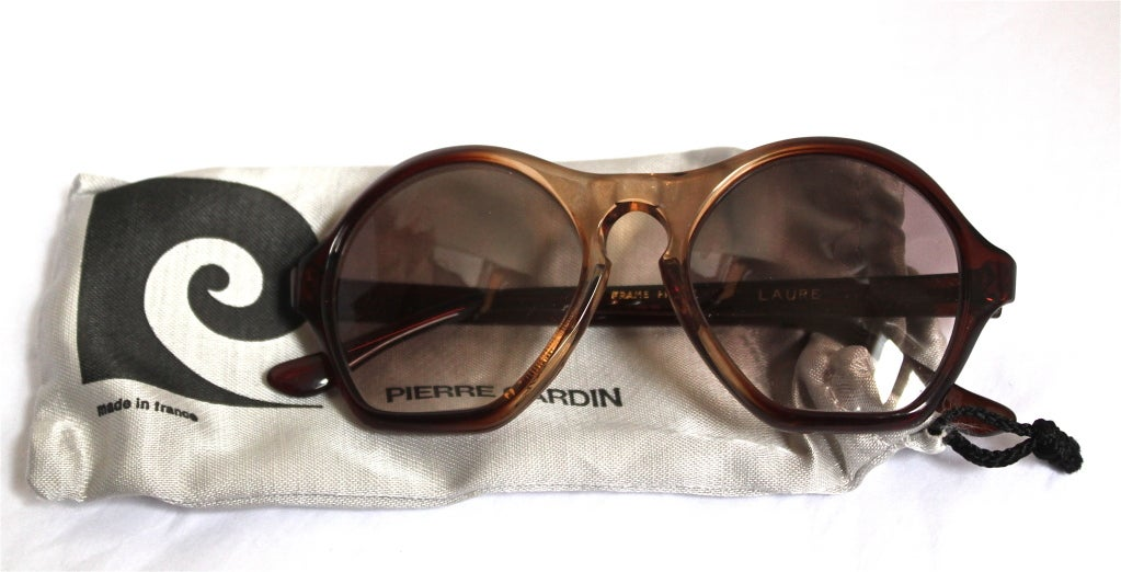 very rare unworn 1960's PIERRE CARDIN sunglasses with case & box image 2