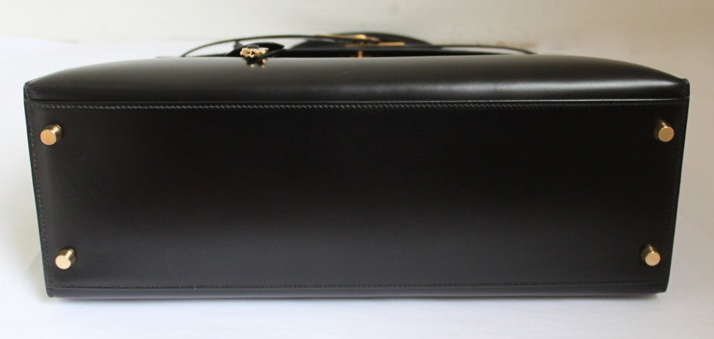 HERMES KELLY 35 cm black box leather rigid bag / gold hardware 2