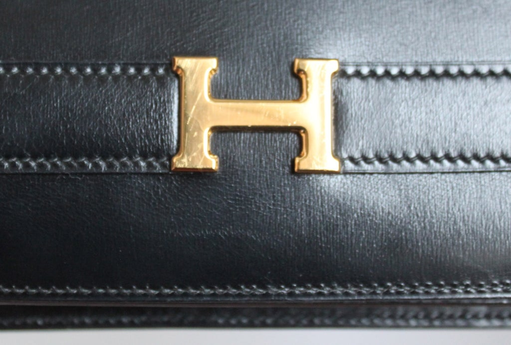 HERMES Annie black box leather clutch with gold hardware & strap For Sale 2