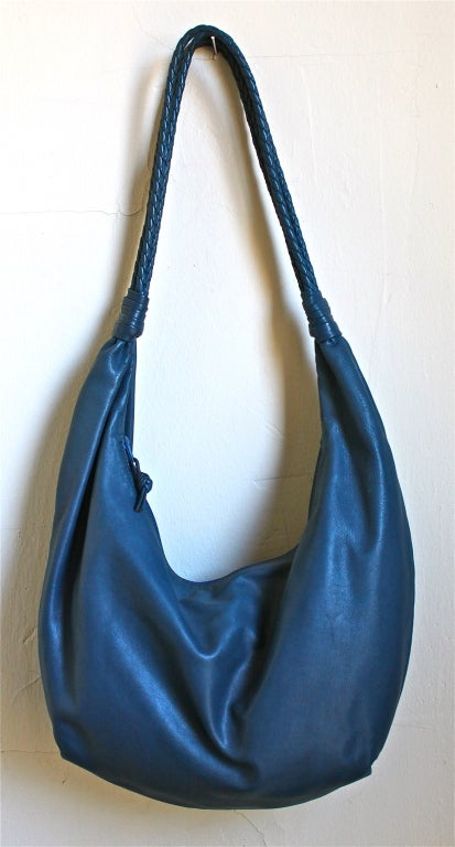 1980's BOTTEGA VENETA blue leather large hobo bag with woven straps 2