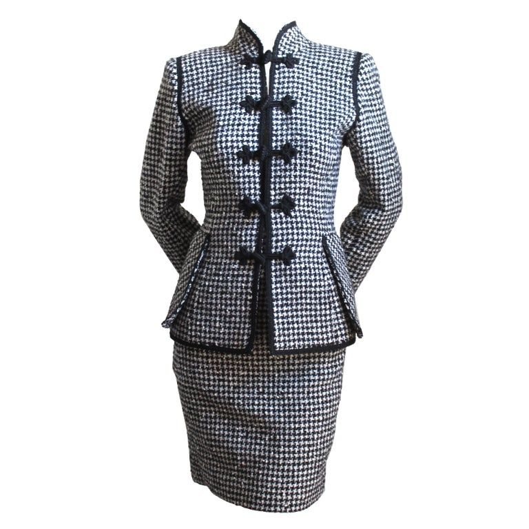 EMANUEL UNGARO black & white houndstooth suit with frog clousre