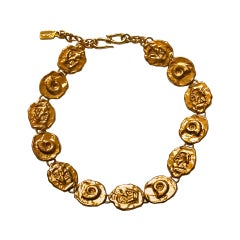 YVES SAINT LAURENT gilt hammered link necklace with shell detail