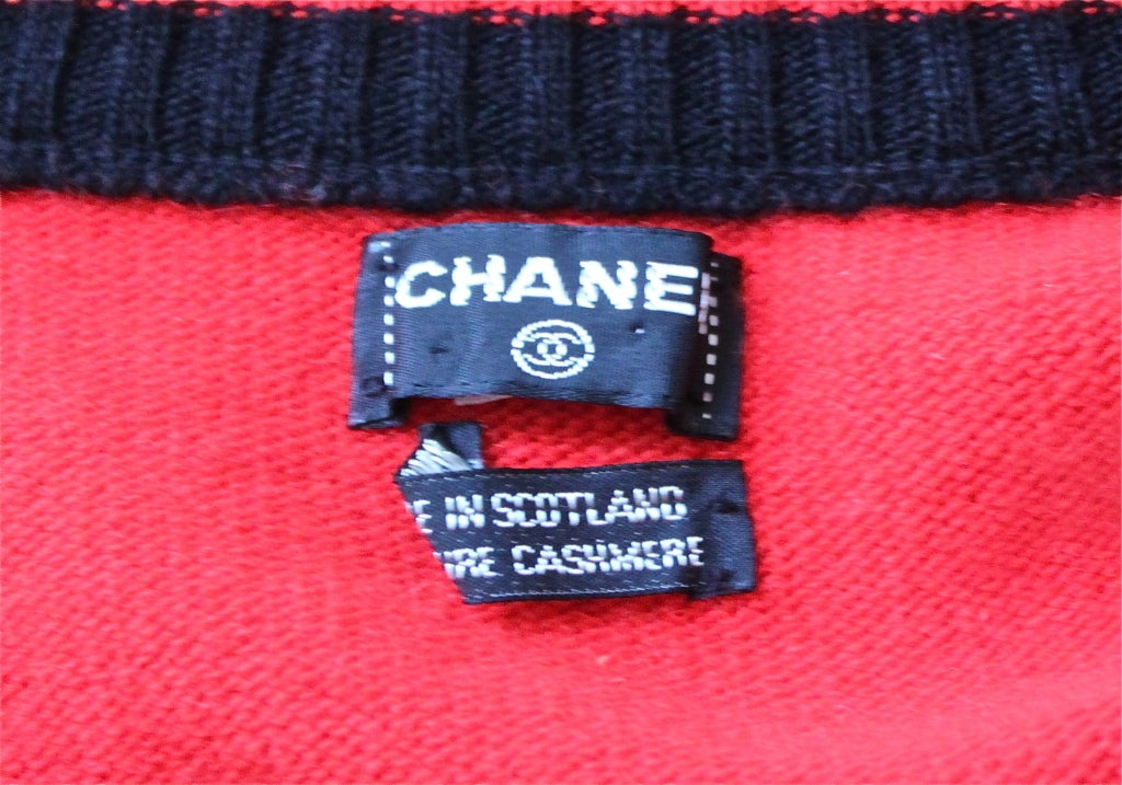 Red 1980's CHANEL red and black cashmere cardigan sweater For Sale