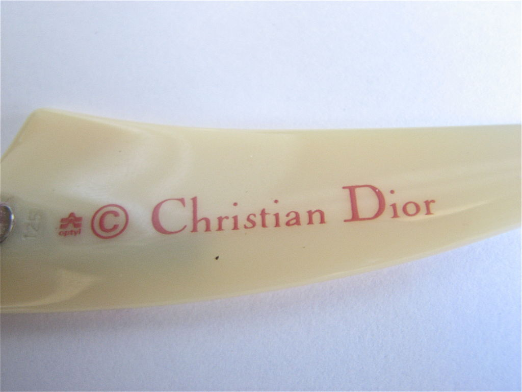 Gold CHRISTIAN DIOR marbled sunglasses with gold temples For Sale