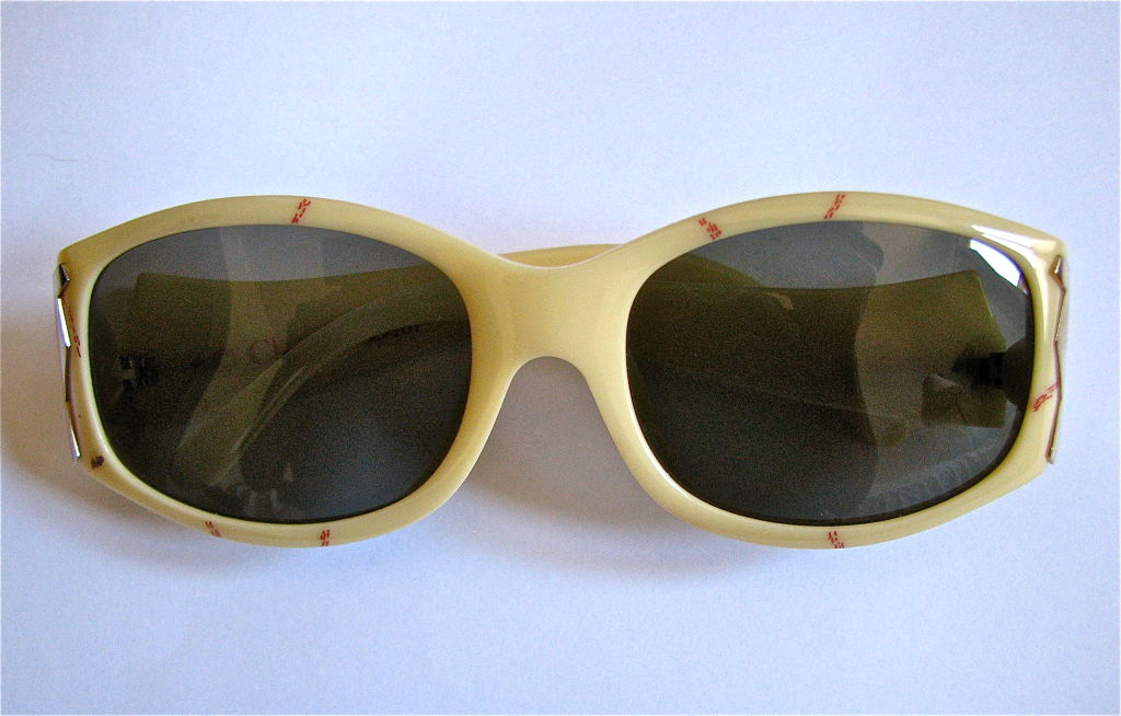 Women's CHRISTIAN DIOR marbled sunglasses with gold temples For Sale