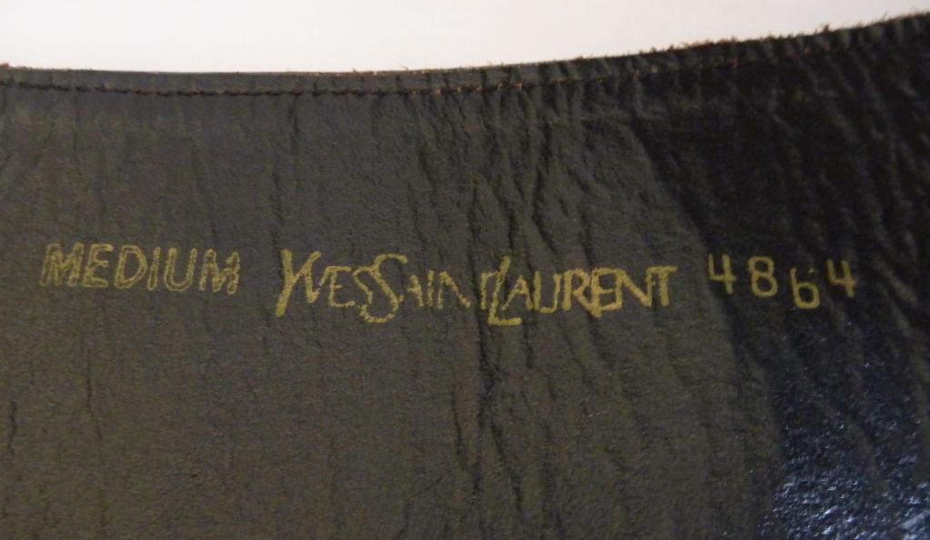 YVES SAINT LAURENT grey ponyskin belt In Excellent Condition For Sale In San Fransisco, CA