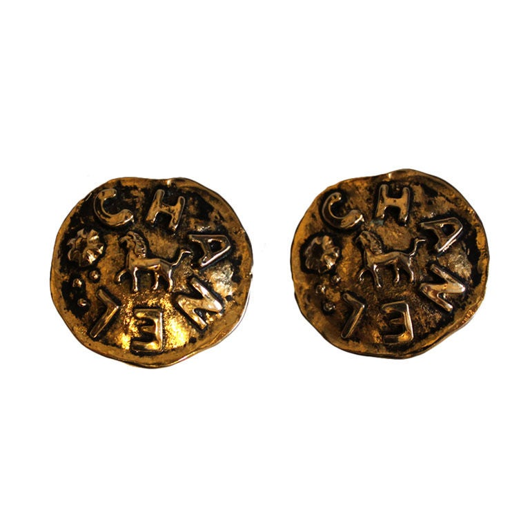 CHANEL gilt earrings with Lions 1