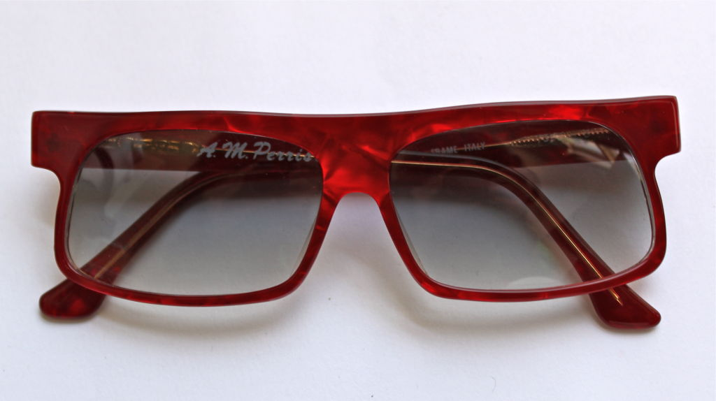 unworn ANNE MARIE PERRIS red shell sunglasses 4