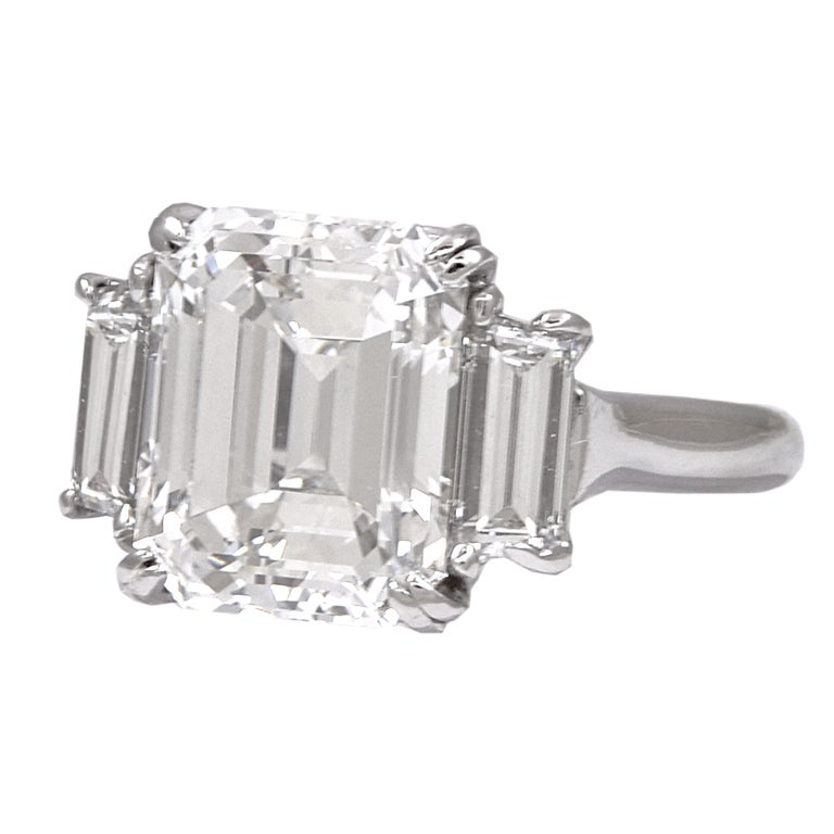 Asher Cut Diamond Trapezoid Cut Diamond Shoulders Ring At