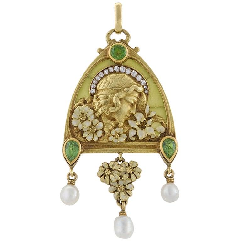 French Art Nouveau Peridot Diamond Gold and Plique-a-Jour 'Juliet' Pendant For Sale