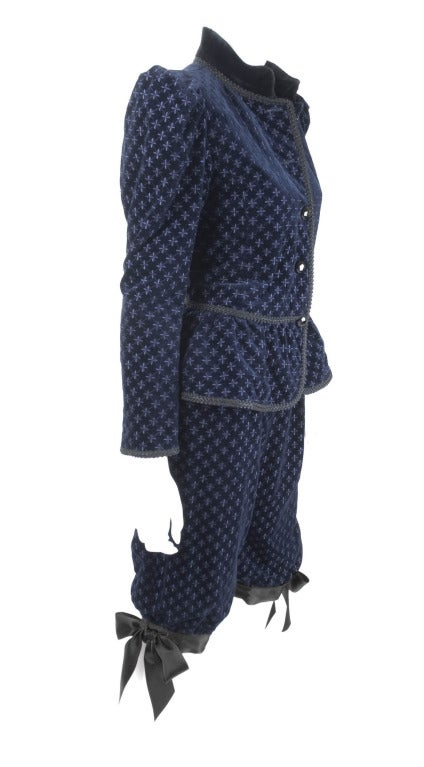 Yves Saint Laurent Navy Velvet Knee Breeches Suit In Excellent Condition For Sale In Hamburg, DE