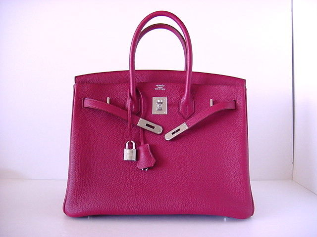 Sophisticated RASPBERRY RED is the NEW colour from HERMES!!! BEYOND~<br /> Soft shade of red and is divine for year round wear.<br /> TOGO leather is textured to be highly scratch resistant and is butter soft to the touch. <br /> BRAND NEW, NEVER