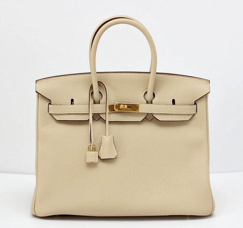 Sophisticated PARCHEMIN is a beautiful colour like french vanilla ice cream.