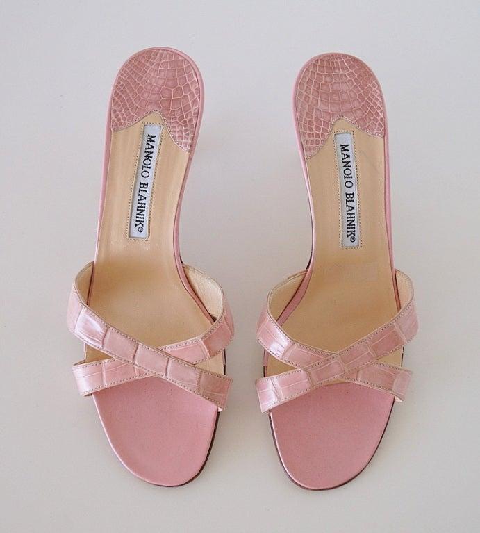 MANOLO BLAHNIK Mule Crocodile Shoe Baby Pink Divine  37 / 7  2