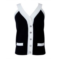 Chanel 06A Top Cashmere Black White Trim Great Buttons 42 / 8