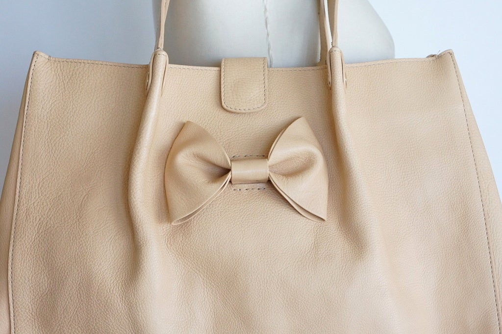 VALENTINO bag large feather light leather tote NEW putty nude great bow 3