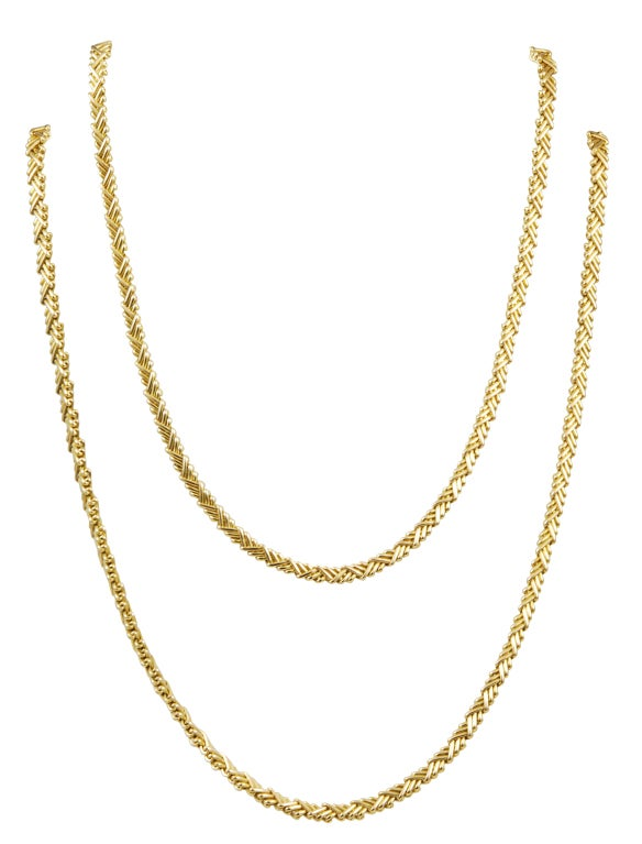 Modern Cartier Long and Flexible Gold Necklace For Sale